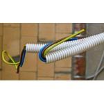 Нужно ли использовать гофру при прокладке электрический кабелей и проводов?
